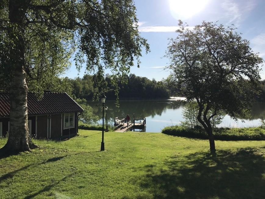 Marche en groupe dans la simplicité en Suède