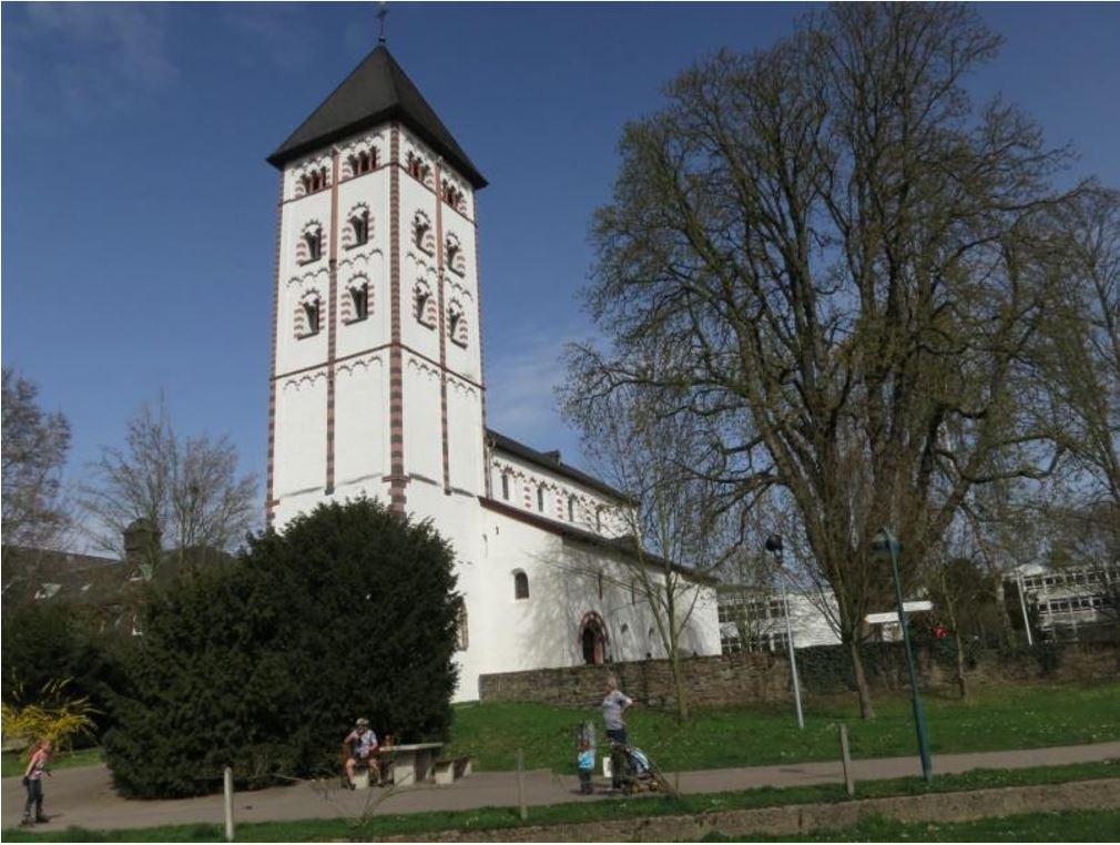Marche en groupe dans la simplicité en Allemagne